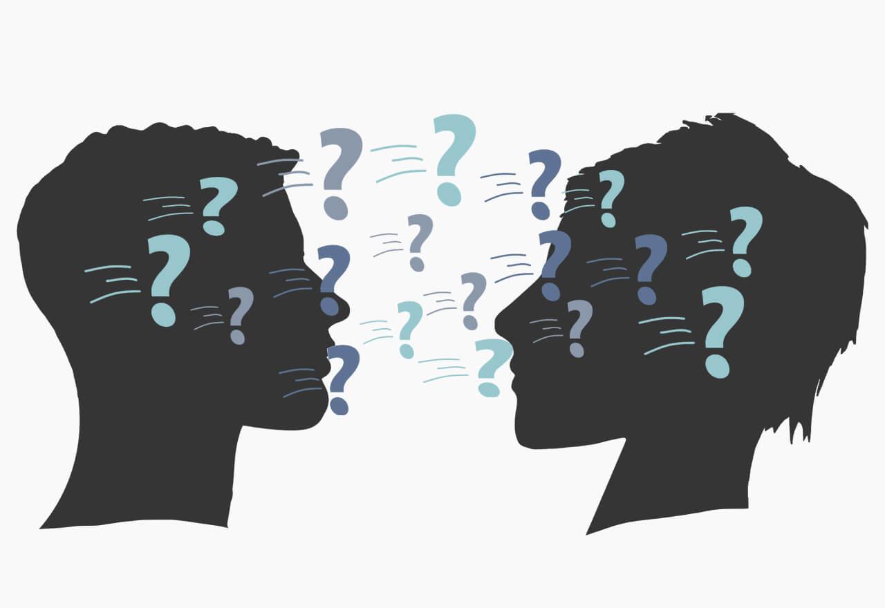 Eine Illustration zweier Personen in schwarz die einander anschauen. Darüber schweben Fragezeichen in den Farben von TROTZ-DEM.
